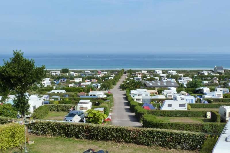Camping Plage St. Pabu and the City Berneuf