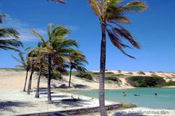 Lagoas nas Dunas - Praia das Fontes / Ceará