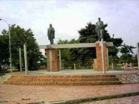 Monumento a la Confraternidad