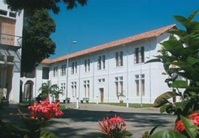 Openbare bibliotheek Julio Pérez Ferrero