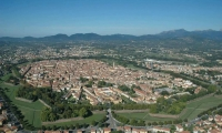 Lucca, Vila Medieval Toscana