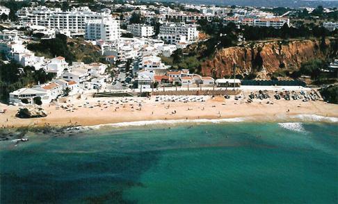 Praia de Olhos de Água (Algarve)