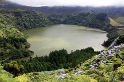 Reserva Natural das Caldeiras Funda e Rasa (mosteiros)