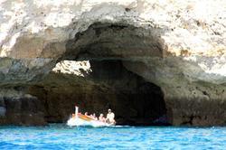 Passeio de barco ás grutas