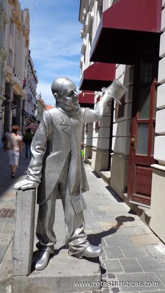 Schone Naci Statue (Bratislava)