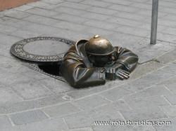 Estatua de bronce Cumil (Bratislava)