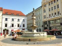 Fuente de Maximiliano (Bratislava)